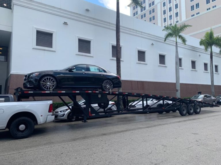 black mercedes on autotransport.com's trailer